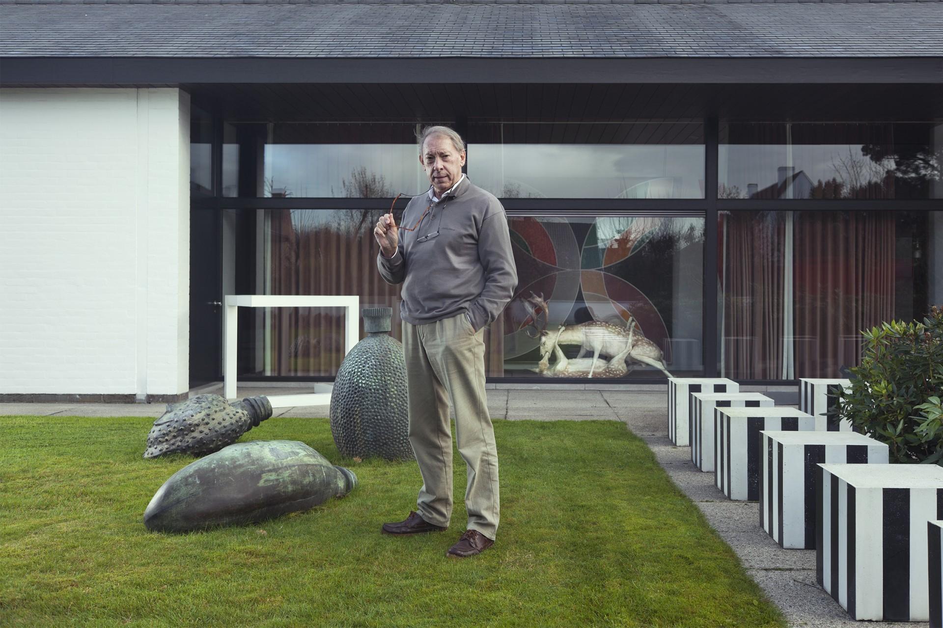 AVANTGAND - Zoob: Lieven Declerck <br/> Trophy (1999) by Wim Delvoye